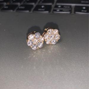 14kt Diamond Earrings Flower Shape! for Sale in Los Angeles, CA