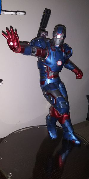 Marvel iron man gentle giant 1/4 statue for Sale in Monterey Park, CA