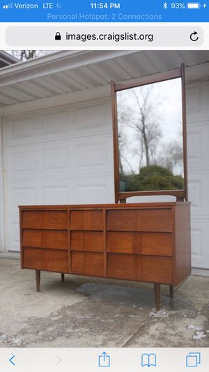 Mid Century Ward Dresser Or TV Stand for Sale in Willow Springs, IL