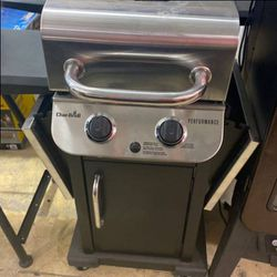 Charbroil 463625219 propane grill 🤩🤩🤩 5 PP for Sale in China Spring,  TX
