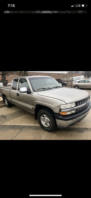 1999 Chevy Silverado extended cab great runner lots of options 4x4 for Sale in Mokena, IL