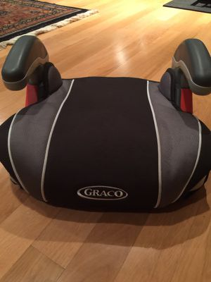 Booster seat by Graco with cup holders for Sale in Atlanta, GA