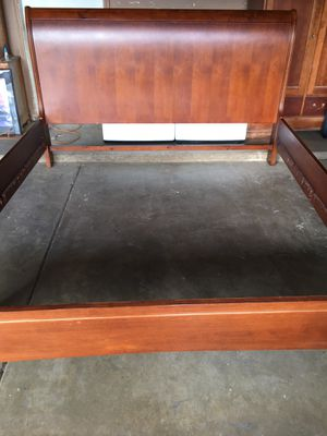 King bed frame for Sale in Sacramento, CA