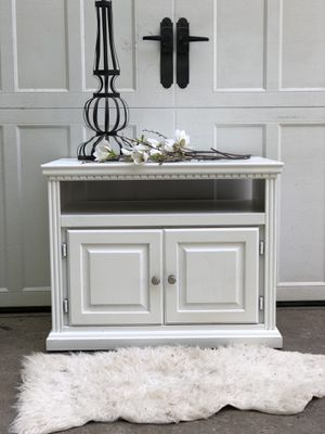 Extra large sidetable or tv stand for Sale in Battle Ground, WA