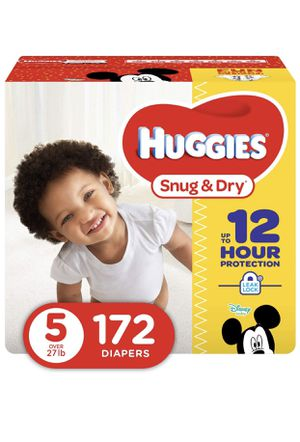 New HUGGIES SIZE 5-172 count for Sale in Denver, CO