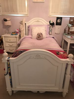 Twin Bedroom set for Sale in Beverly Hills, CA