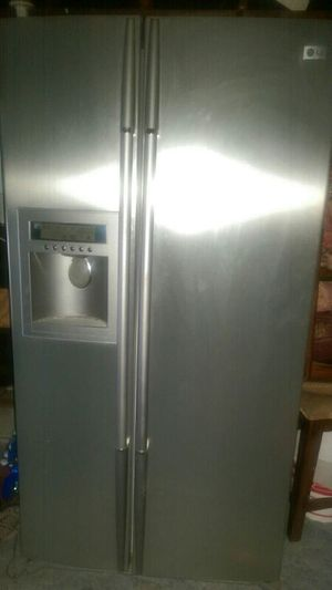 LG stainless steel refrigerator for Sale in San Diego, CA