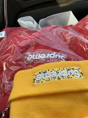 Supreme box logo hoodie XL FW19 for Sale in Severn, MD