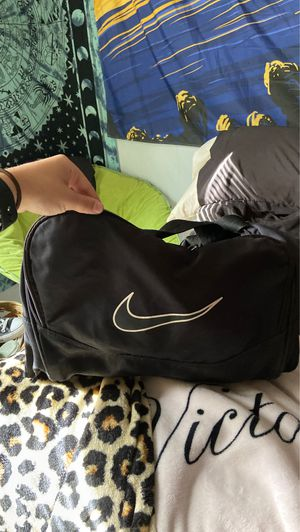 Nike sports duffle bag!! for Sale in Yalesville, CT