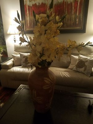 Decorative flower vase for Sale in Corona, CA