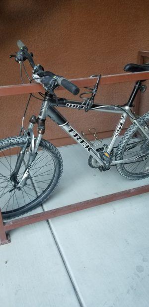 Trek 4100 18inch mountain bike for Sale in Las Vegas, NV