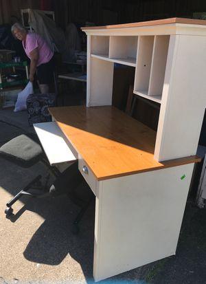 Computer desk for Sale in Marietta, OH