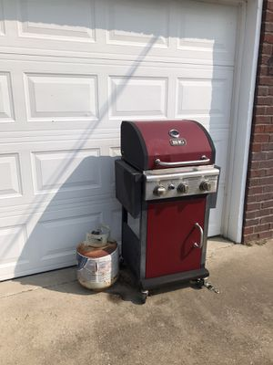 BBQ grill and tank for Sale in La Vergne, TN