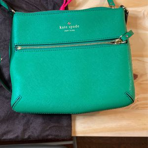 Kate Spade Crossbody Purse for Sale in Miramar, FL