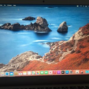 AMAZING Macbook Air 13 With Box i5 for Sale in Brooklyn, NY