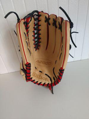 Wilson a2000 12.75 baseball glove for Sale in San Diego, CA