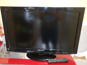 Panasonic 32 inches tv for Sale in Hialeah, FL