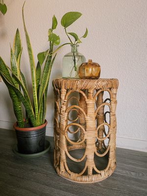 Rattan plant stand for Sale in Phoenix, AZ