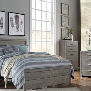 King Bedroom set brand new open Box for Sale in Bothell, WA