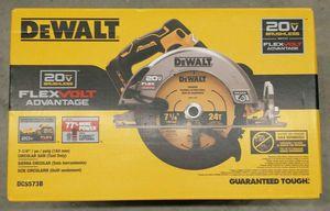 Dewalt 20V MAX Brushless 7-1/4in Circular Saw w/FLEXVOLT ADVANTAGE (Tool Only) DCS573B for Sale in Bethpage, NY