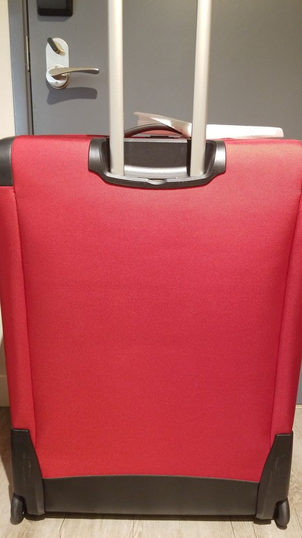 Victorianox Luggage. Brand new never used large luggage