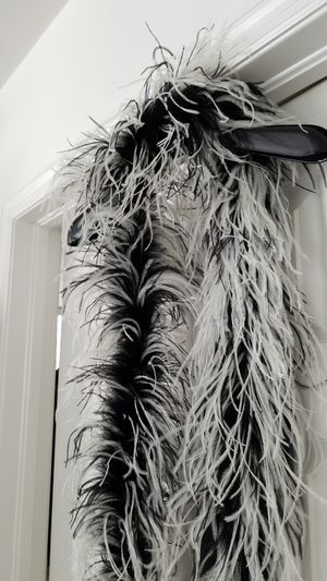 OSTRICH PLUME BOA BY SUZANNE NYC for Sale in Miami, FL