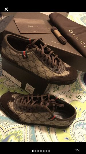 Gucci brown shoes size 9 men for Sale in Oakland, CA