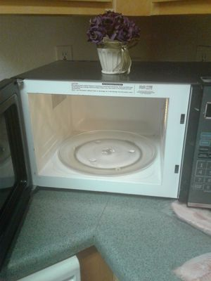 Microwave oven for Sale in Tampa, FL