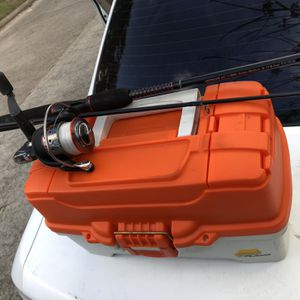 Fishing rod with tackle box for Sale in Houston, TX