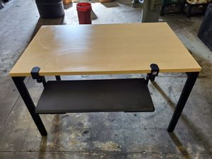 Sturdy Computer Desk with Keyboard Tray for Sale in Los Angeles, CA