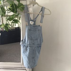 Cute overall jean dress for Sale in Los Angeles, CA