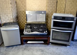 Beautiful Set of Stainless Steel APPLIANCES with DOUBLE OVEN for Sale in Las Vegas, NV