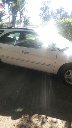 1997 Ford Taurus station wagon for Sale in Chino, CA