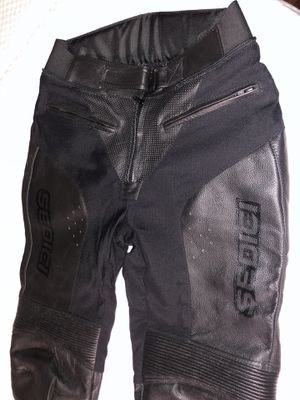 Sedici women's motorcycle leather pants with protective padding for Sale in Los Angeles, CA