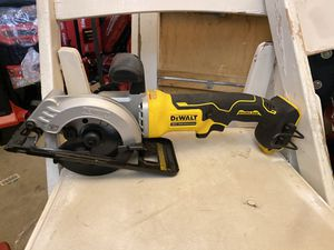 DEWALT ATOMIC 20-Volt MAX Cordless 4-1/2 in. Circular Saw (Tool-Only) for Sale in Bakersfield, CA