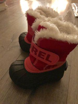 Sorel kids snow boots size 6 for Sale in Glendora, CA