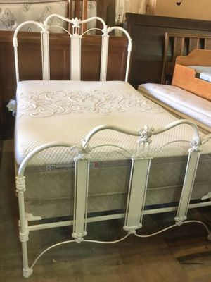 Gorgeous Antique Cast Iron Full Sized Bed - Delivery Available for Sale in Tacoma, WA