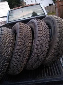 "205 75 15"" Snow Traction Studded Mount Onto Your Wheels Or I Have A Set Of Ford Ranger Explorer Astro Van C10 PickUp Rims for Sale in Kent,  WA"