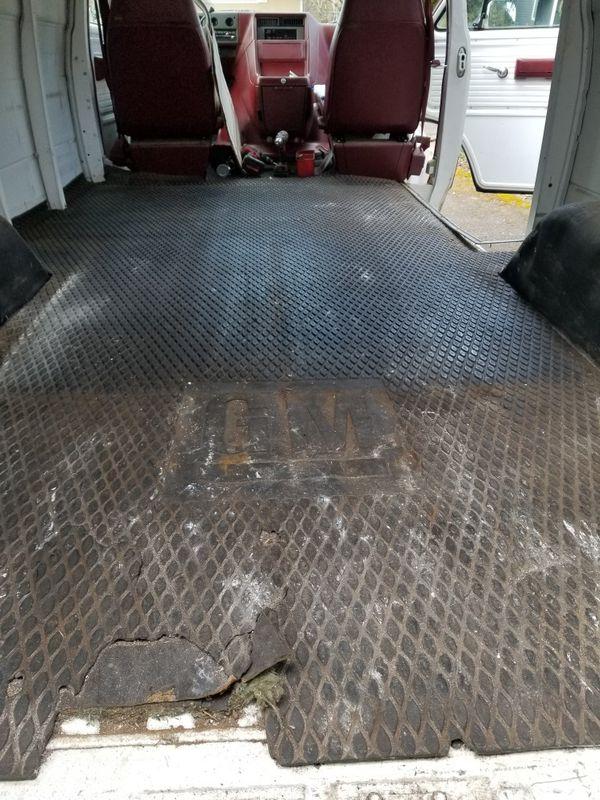 GM factory rubber mat for cargo van