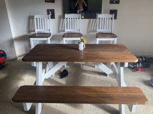 Farm house table & stools for Sale in Haines City, FL