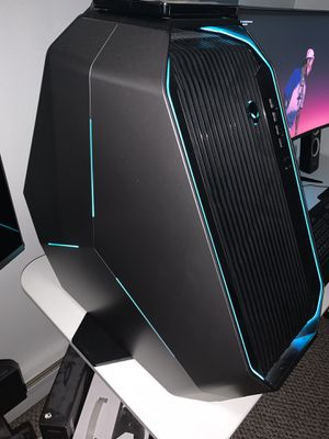 Alienware Area 51 with Curve Gaming Monitor for Sale in Wood Dale, IL
