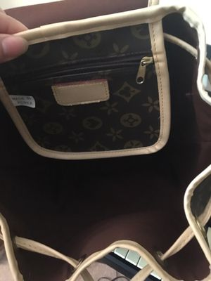 louis vuitton bag for Sale in Lawrenceville, GA