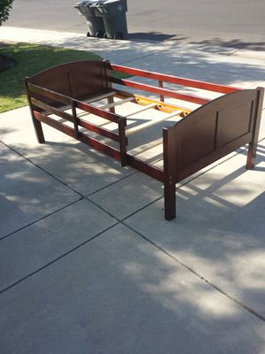 Twin Size Cherry Wood Bed Frame for Sale in Clovis, CA