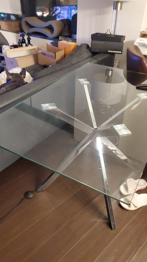 Beautiful Glass Dining Table for Sale in Seattle, WA