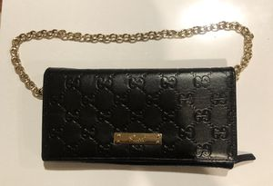 Gucci Wallet black with gold chain for Sale in TWENTYNIN PLM, CA