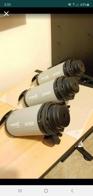 Studio strobe lights 2 x 400 watt strobe 1 x 300 watt strobe for Sale in Miami, FL