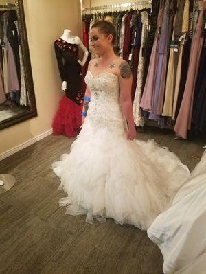 Elegant Wedding dress for Sale in Peoria, AZ