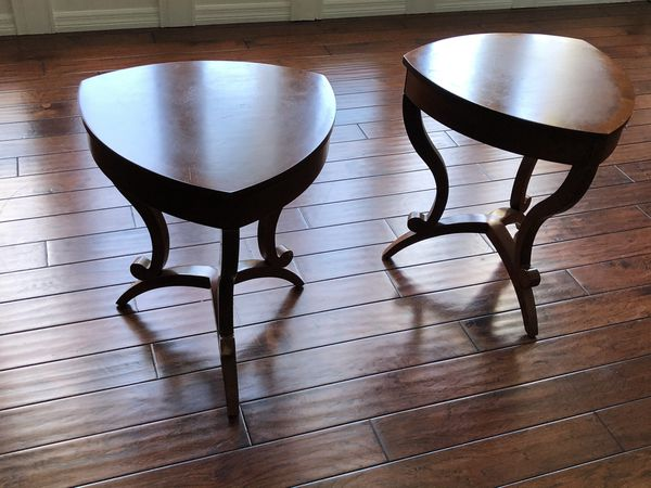 Set of 2 triangular wood side tables with drawers
