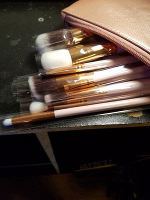 15 piece brush set. for Sale in Phoenix, AZ