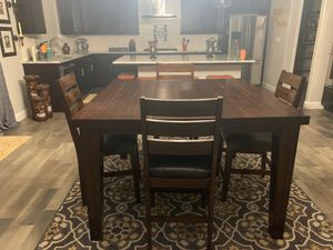 Table and 4 chairs for Sale in Fresno, CA